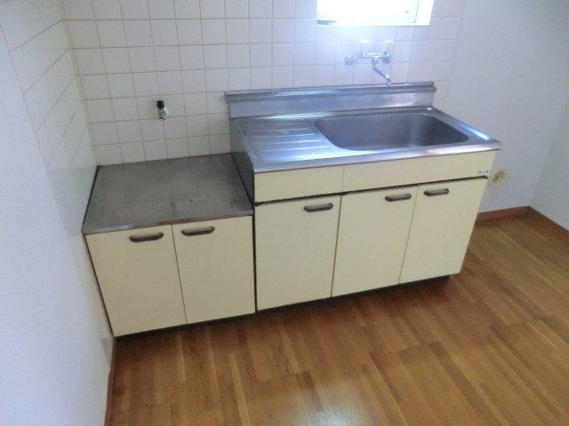 フローラル芝山 B棟 102号室のキッチン
