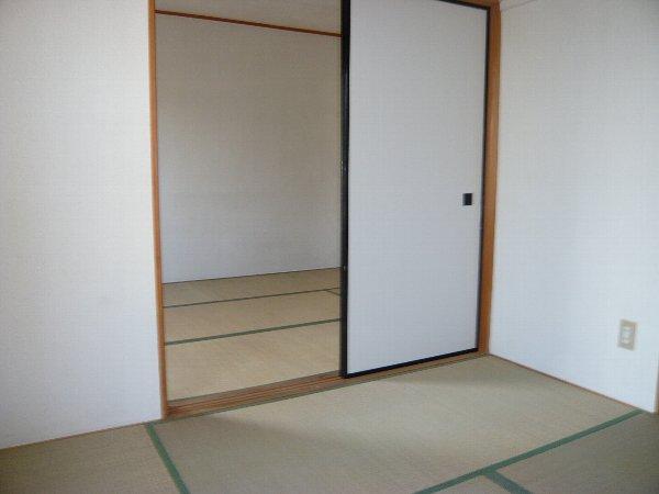 ロイヤルハイツA金杉 203号室のその他