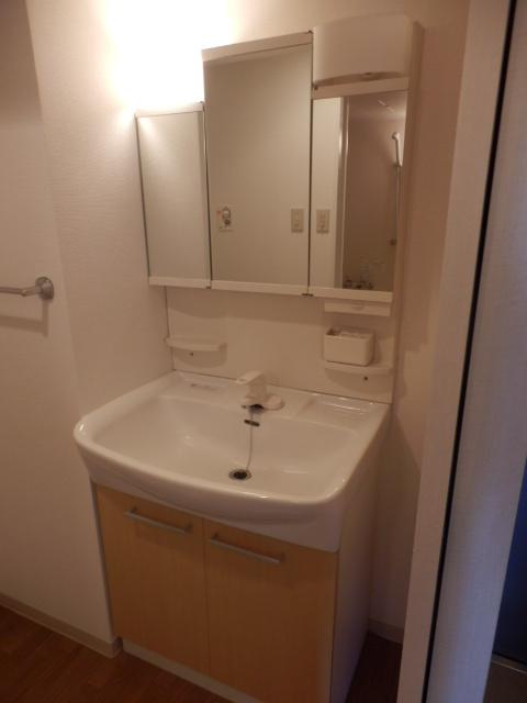 ウィンドヒル鎌ケ谷 603号室の洗面所