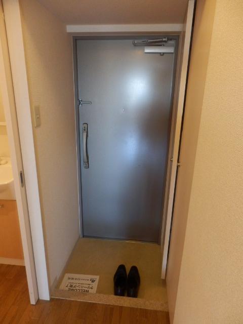 ウィンドヒル鎌ケ谷 603号室の玄関