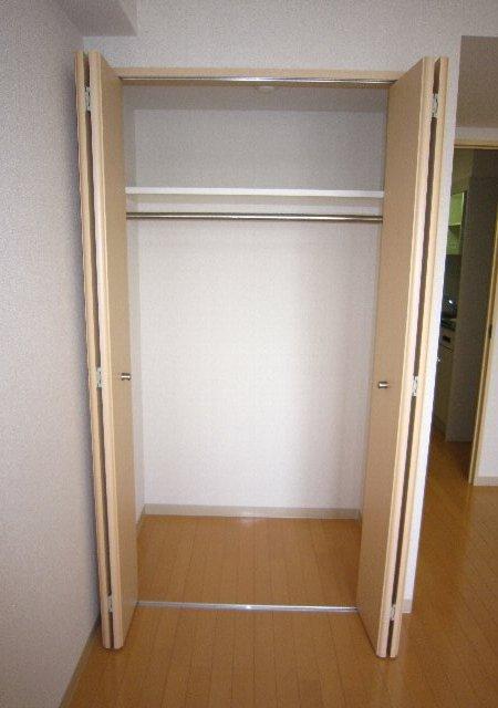 らふぃね壱番館 202号室の収納