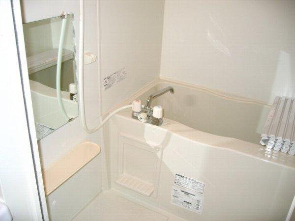 らふぃね壱番館 202号室の風呂