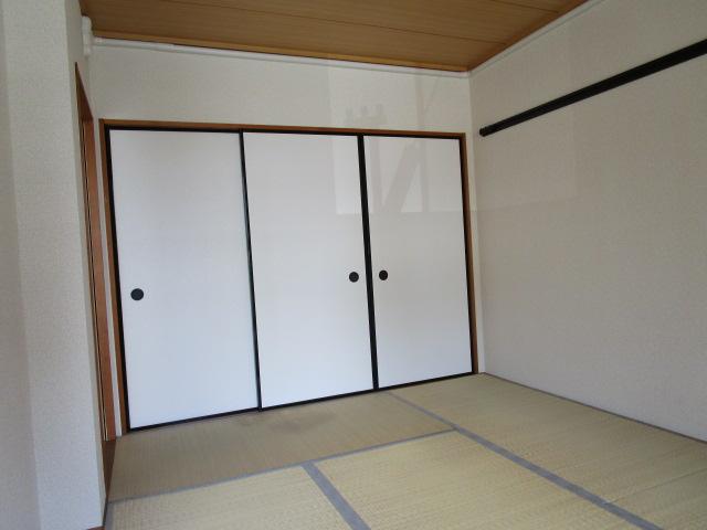 トリヴァンベール小林 102号室の居室