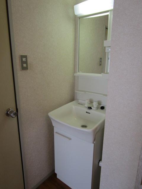 トリヴァンベール小林 102号室の洗面所