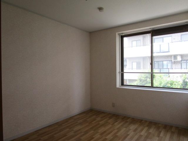 トリヴァンベール小林 301号室の居室