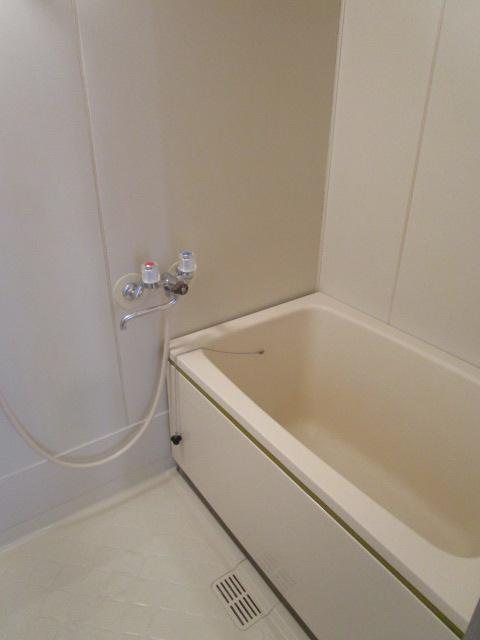 トリヴァンベール小林 301号室の風呂