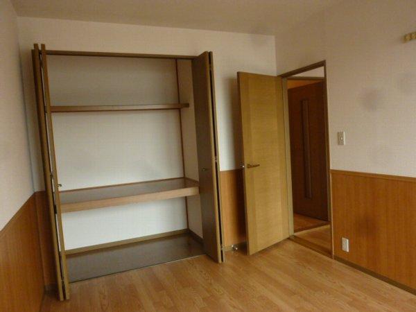 ハイカムールST・ユアサ 201号室の収納