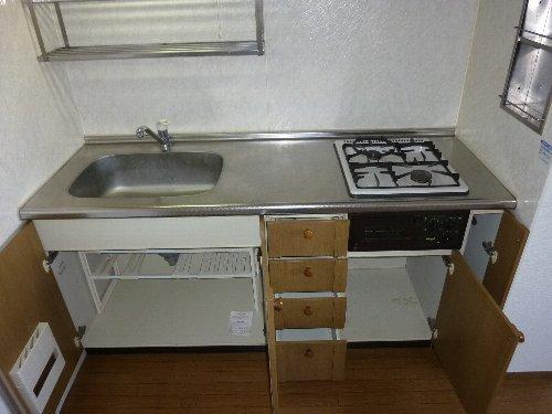 ハイカムールST・ユアサ 201号室のキッチン