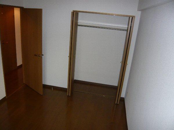フォンテーヌ芝山 603号室のリビング