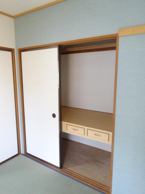 カーザベルデ 102号室の収納