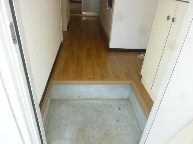クオリティハイツ鎌ヶ谷 105号室の玄関