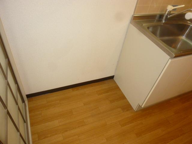 クオリティハイツ鎌ヶ谷 105号室のキッチン