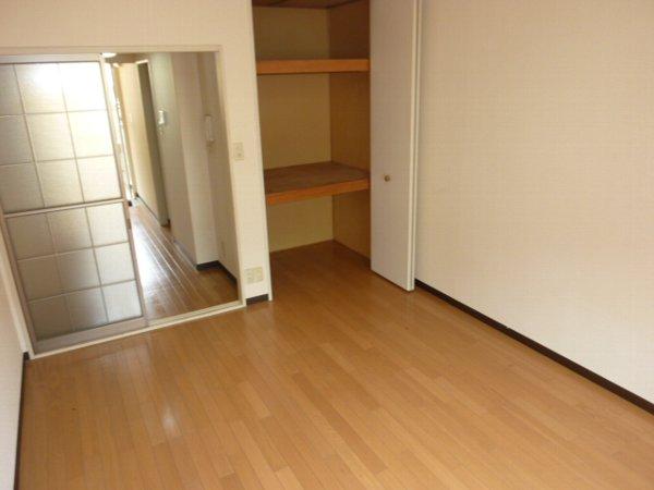 クオリティハイツ鎌ヶ谷 105号室の収納