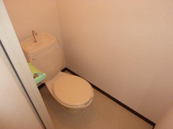 クオリティハイツ鎌ヶ谷 105号室のトイレ