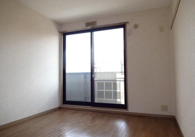 サンダイヤコーポ 105号室の居室