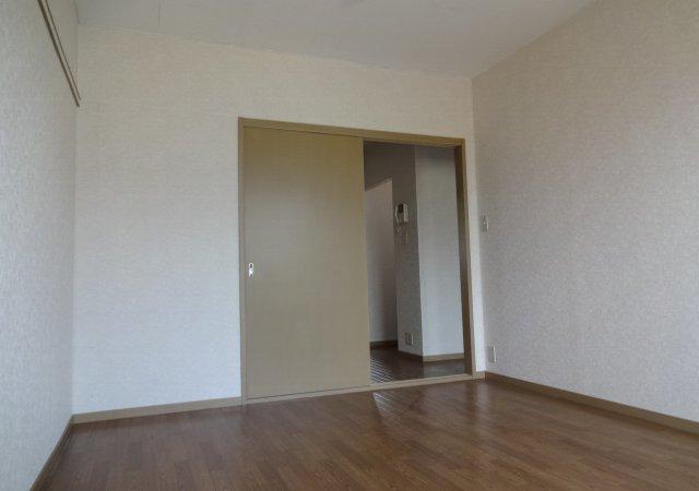 サンダイヤコーポ 102号室の居室