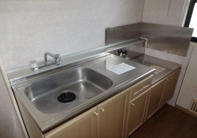 サンダイヤコーポ 102号室のキッチン