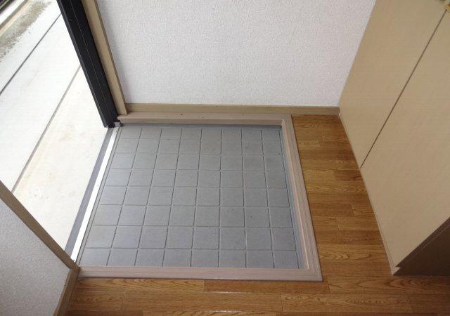 サンダイヤコーポ 105号室の玄関