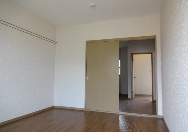 サンダイヤコーポ 202号室の居室