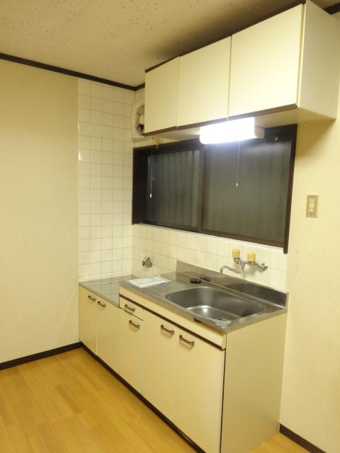 若葉ハイツ 102号室のキッチン