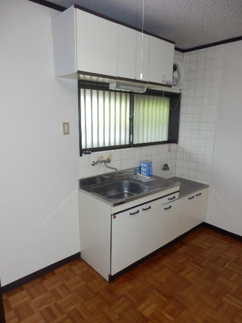 若葉ハイツ 201号室のキッチン