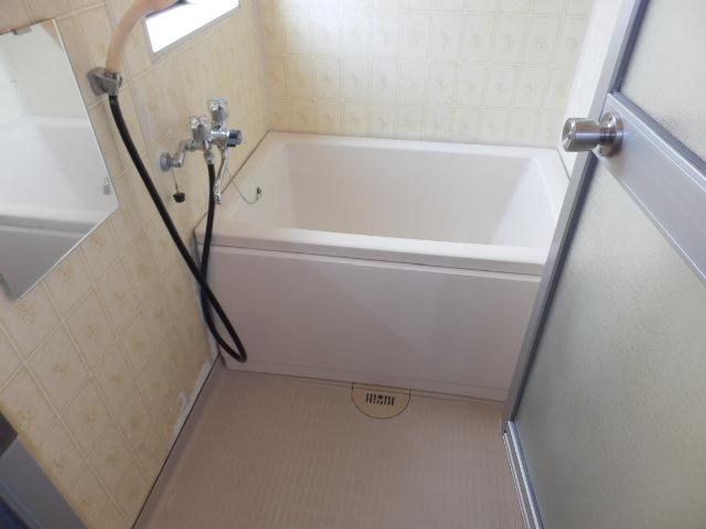 若葉ハイツ 201号室の風呂