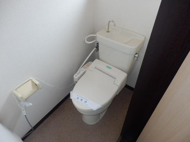 若葉ハイツ 201号室のトイレ