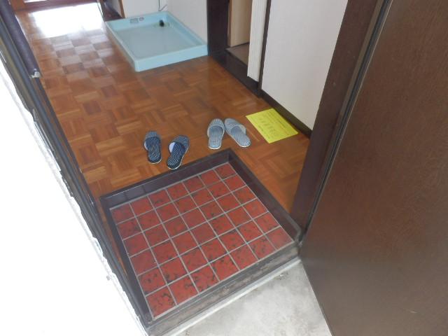 若葉ハイツ 201号室の玄関