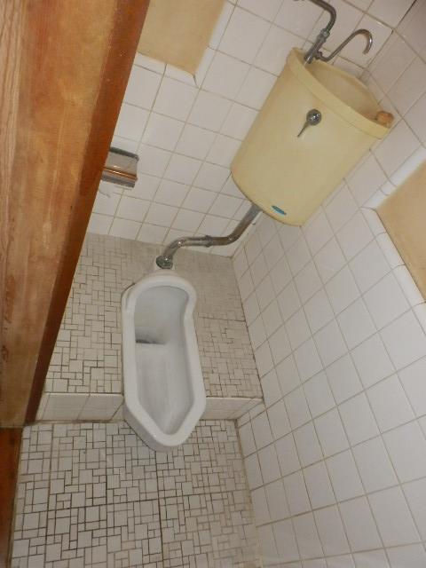 齊藤マンション 201号室のトイレ