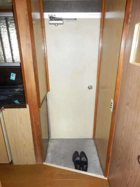齊藤マンション 201号室の玄関