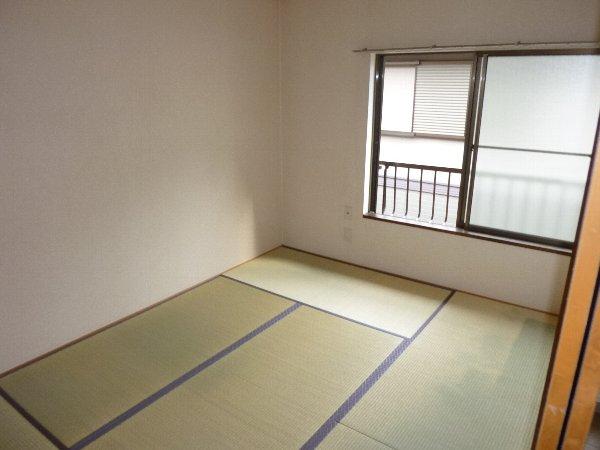 ラフォーレハイツW-3 103号室の居室