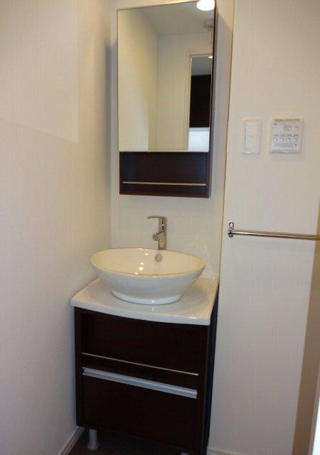 リブリ・MIYABI 205号室の洗面所