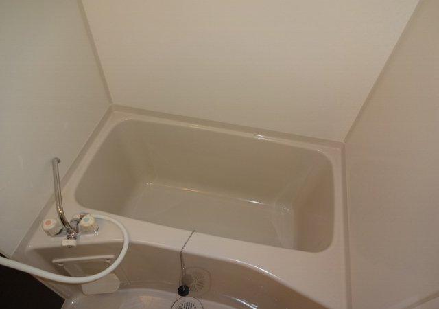 リブリ・MIYABI 205号室の風呂