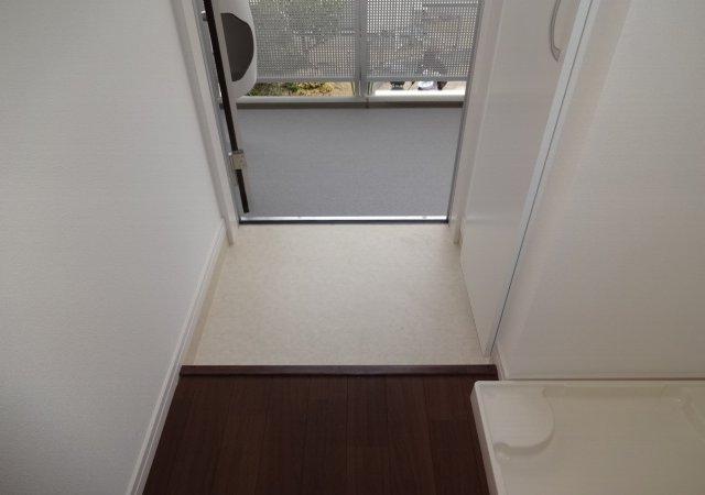 リブリ・MIYABI 205号室の玄関