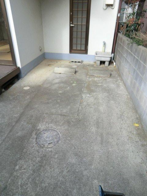 須藤貸家の駐車場