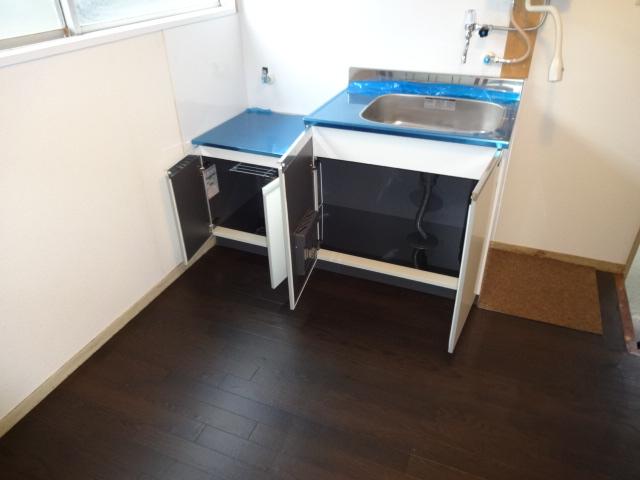 リーフ鎌ケ谷 102号室のキッチン