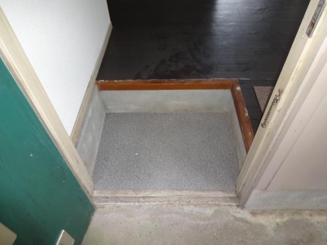 リーフ鎌ケ谷 102号室の玄関
