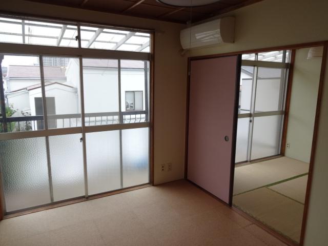 リーフ鎌ケ谷 202号室のリビング
