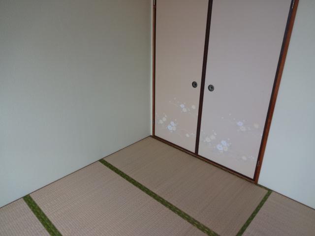 リーフ鎌ケ谷 202号室の居室