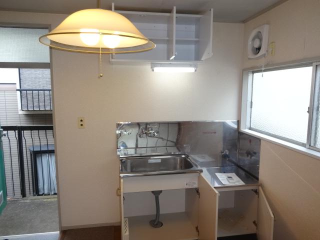 リーフ鎌ケ谷 202号室のキッチン
