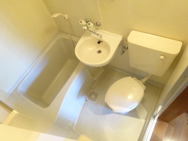 Split 101号室の風呂