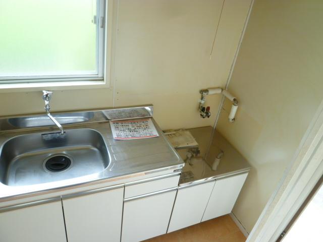 メゾンカンコー 106号室のキッチン