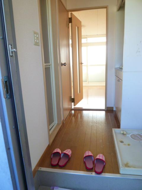 パティオ 305号室の玄関