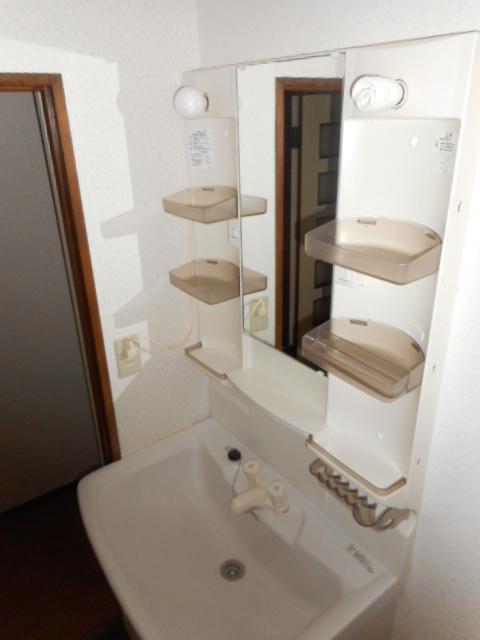 アパートメント21 105号室の洗面所