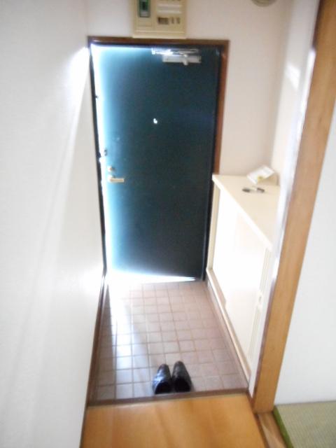 アパートメント21 105号室の玄関