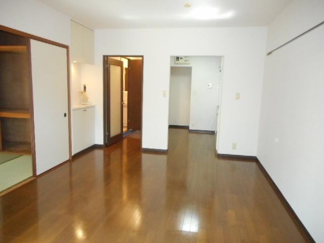 ブランシェ塚田 113号室の居室