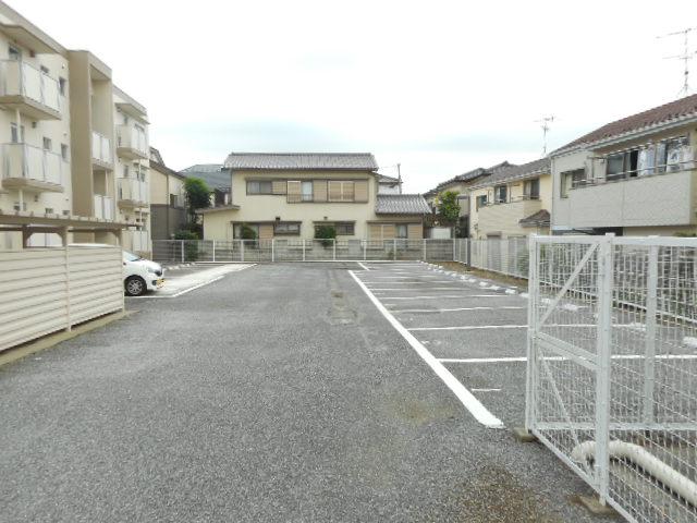 キャストロ鎌ヶ谷 203号室の駐車場