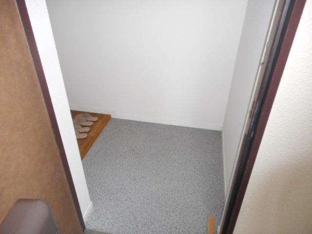キャストロ鎌ヶ谷 103号室の玄関