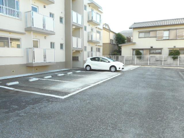 キャストロ鎌ヶ谷 202号室の駐車場