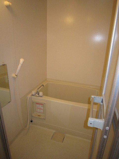 マリンホームズ 102号室の風呂
